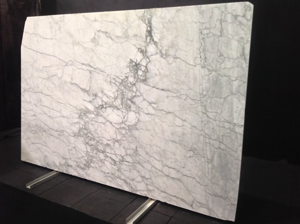 Marble slab colors calacatta gold marble white carrara for Carrara marble slab remnants