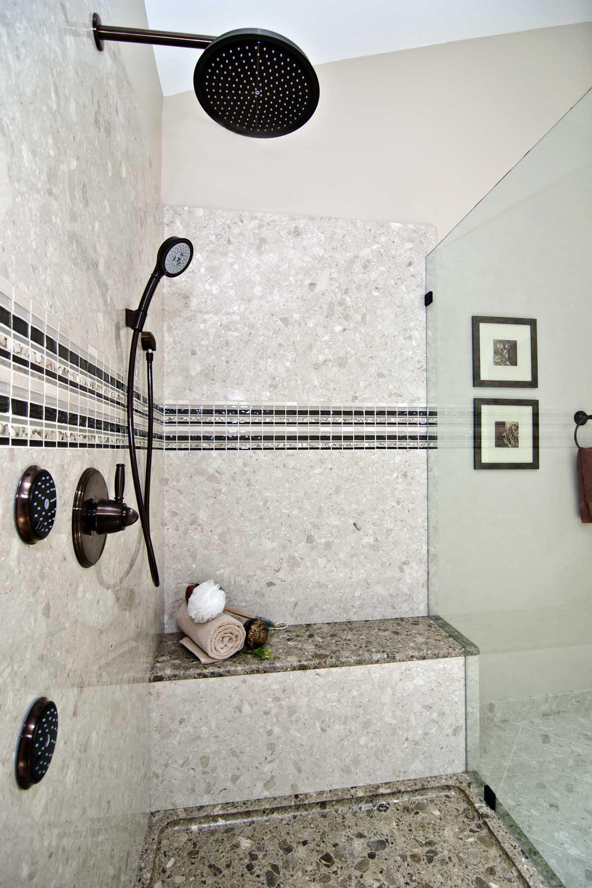 Verona shower walls in Perlato Royal
